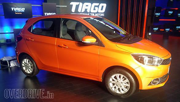 Tata Tiago launch image (1)