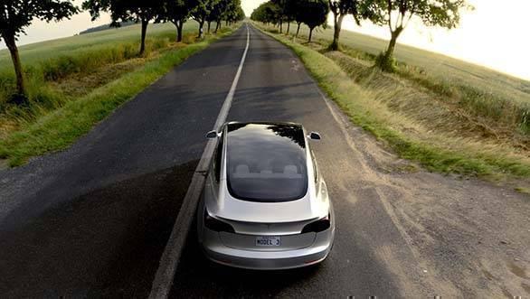 Tesla Model 3 showcase (4)