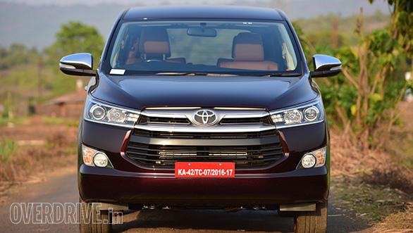 Toyota Innova Crysta 02