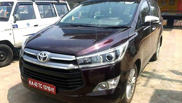 Toyota Innova Crysta(1)