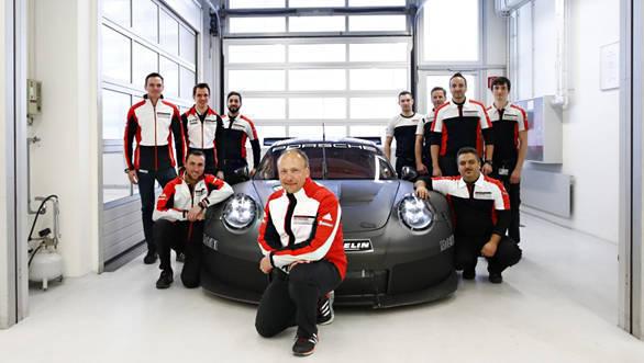2017_Porsche_911_RSR_GTE