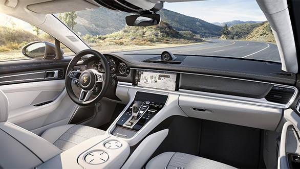 2017 Porsche Panamera (1) (1)