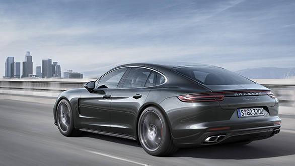 2017 Porsche Panamera (4) (1)