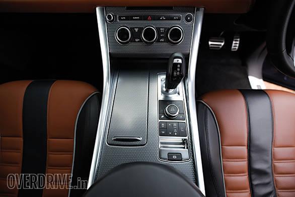 BMW X5M vs Range Rover SVR (16)