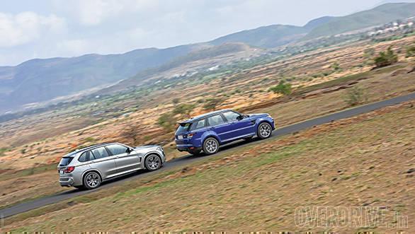 BMW X5M vs Range Rover SVR (25)