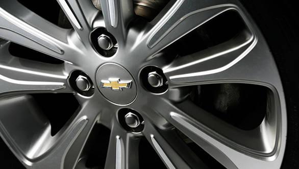 Chevrolet Essentia (17)