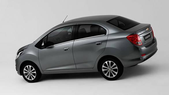 Chevrolet Essentia (4)