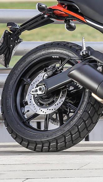 Ducati Scrambler Sixty2 (11)