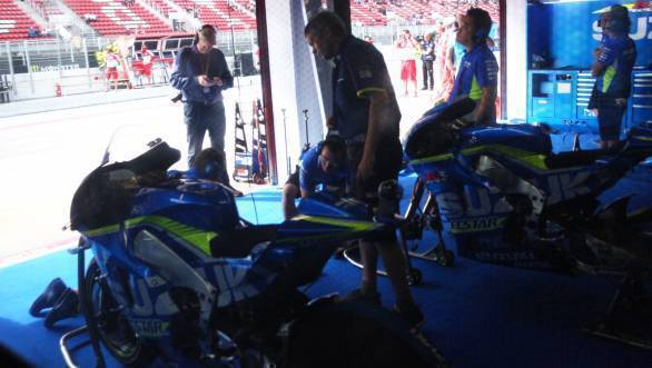 Speed and precision in the Suzuki pits - the only way to achieve success on track too