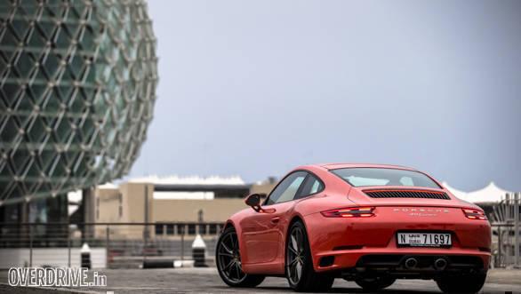 Porsche 911 (1)