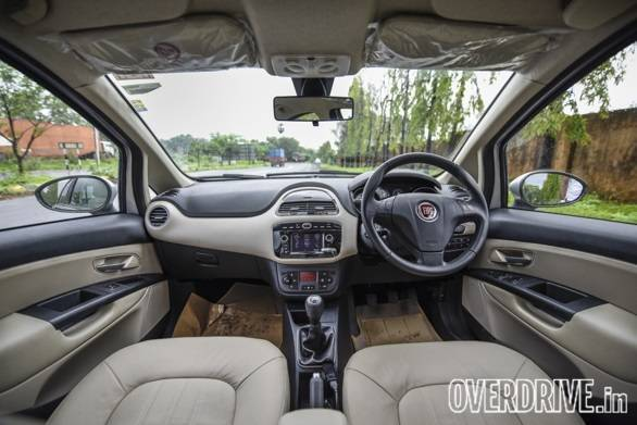The interior continues with the same layout as the regular Lineas but it now has a touchscreen system, leather seats and cruise control