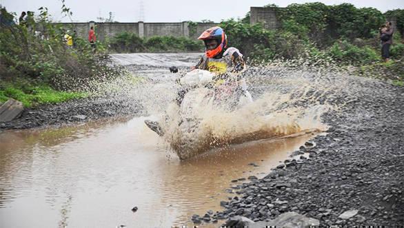Gulf Monsoon Scooter Rally 2016 (3)