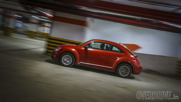 Abarth 595 vs Mini Cooper S vs VW Beetle (24)