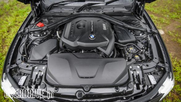 BMW 320i (34)