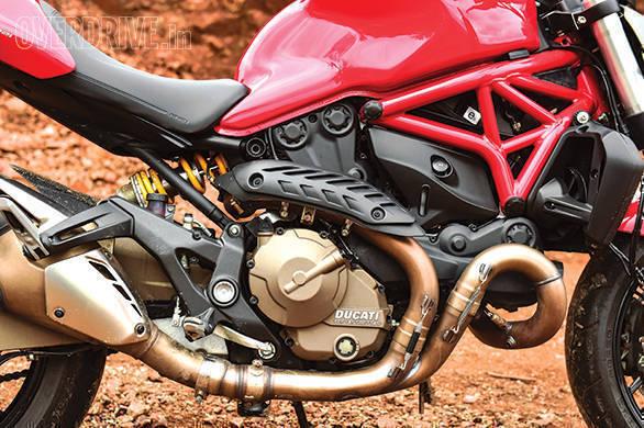Ducati 821 Monster (5)