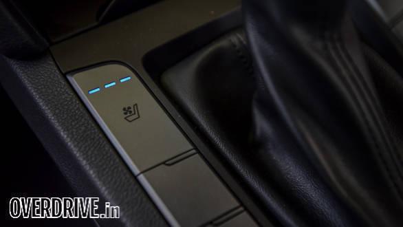 Hyundai Elantra 2016 (65)