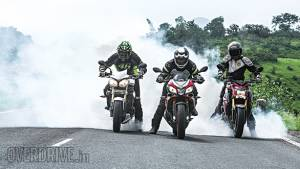 Comparo: Aprilia Tuono V4 1100 Factory vs Suzuki GSX-S1000 vs  Triumph Speed Triple