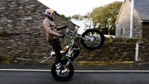 Video worth watching: Dougie Lampkin wheelies around the entire Isle of Man TT course