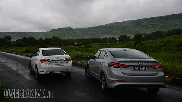 Hyundai Elantra SX O MT diesel vs Toyota Corolla Altis D-4D two