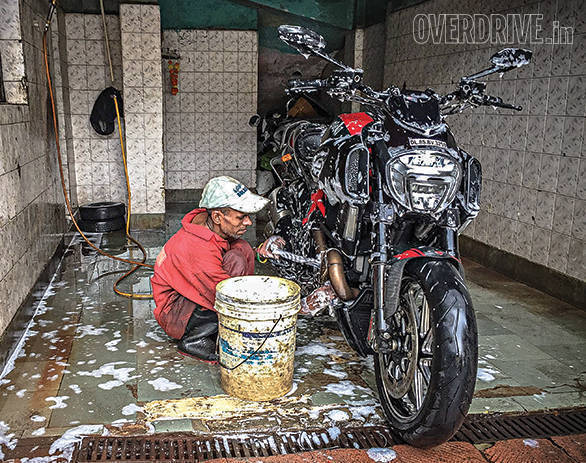 Living With Ducati Diavel (8)