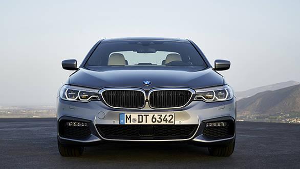 2017 BMW 5 Series (5)