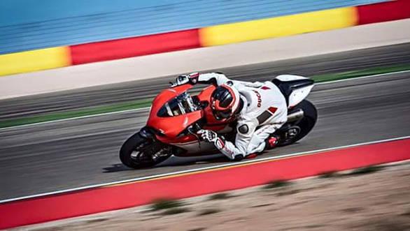 2017 Ducati 1299 Superleggera 6