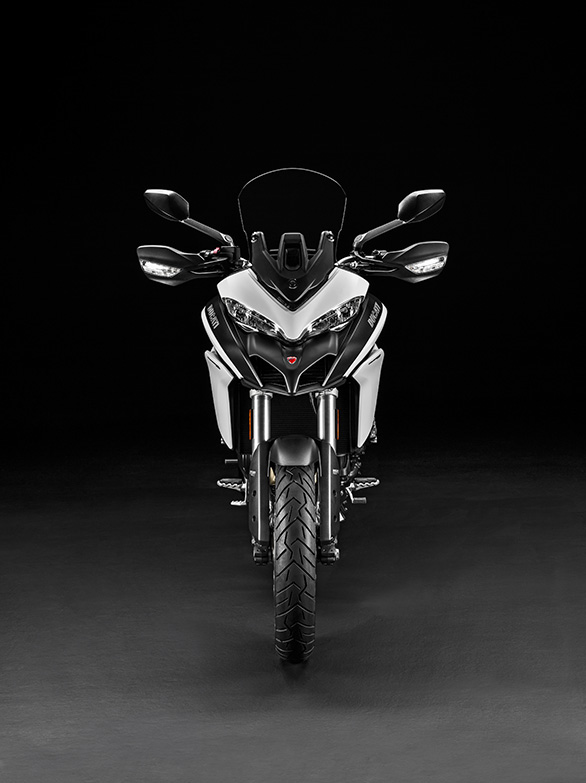 The Multistrada 950 does not get LED headlamps, like its elder siblings.