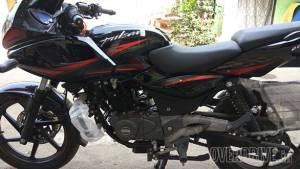 New Bajaj Pulsar 220F with a BS4 engine launched in India at Rs 91,000