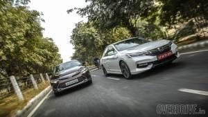 Comparo: 2016 Honda Accord Hybrid vs Toyota Camry Hybrid