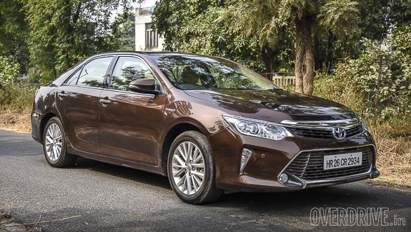 Honda Accord Hybrid vs Toyota Camry Hybrid (73)