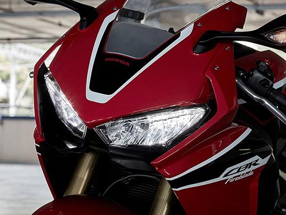 Honda CBR 1000RR Fireblade (4)