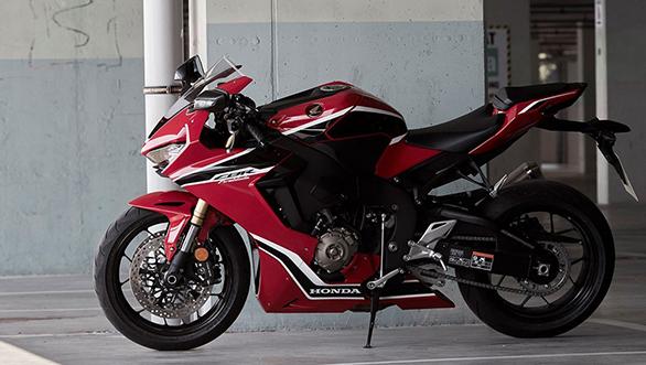 Honda CBR 1000RR Fireblade (5)