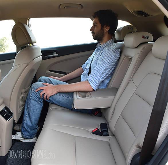 Hyundai_Tuscon013