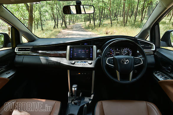 Toyota Innova Crysta Petrol (1)