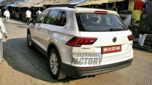 2016-Volkswagen-Tiguan-Spy-2