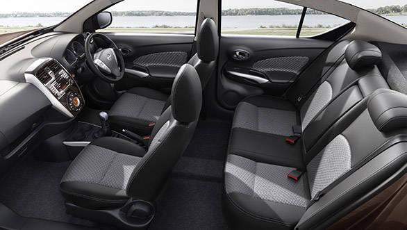 2017 Nissan Sunny (1)
