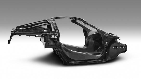 7377-040117_McLaren+Automotive+Announces+Second-Generation+Super+Series_Monocage+II+image_final