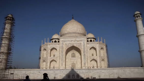 Special feature_ Visiting India's heritage monuments in the Hyundai i20 Active - Video