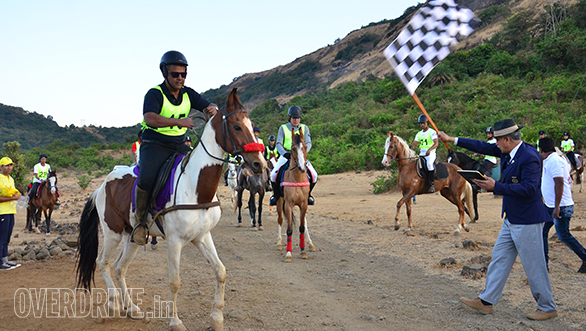 1--Maharashtra's-first-ever-'Horse-Endurance-Championship'-was-flagged-off-on-19th-February-2017-at-Kurvande-Village,-near-Lonavala