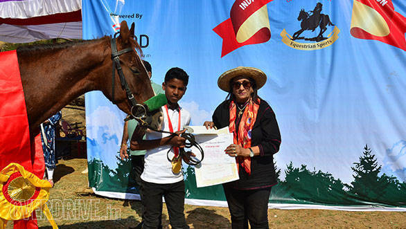 36-15-year-old-Anurag-Gaikwad-finished-the-20-kms-Endurance-in-57-minutes-and-was-winner-in-the-Junior-Category