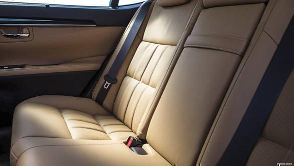 Lexus ES 300h (12)
