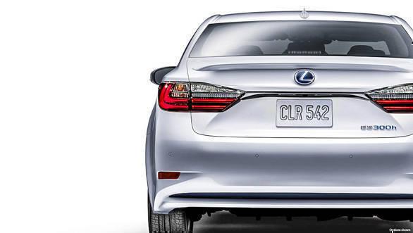 Lexus ES 300h (23)