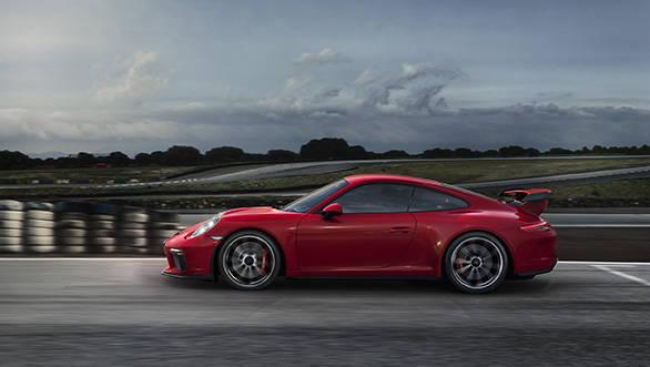 2018 Porsche 911 GT3 (3)