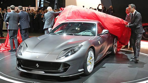 Ferrari 812 Superfast (5)
