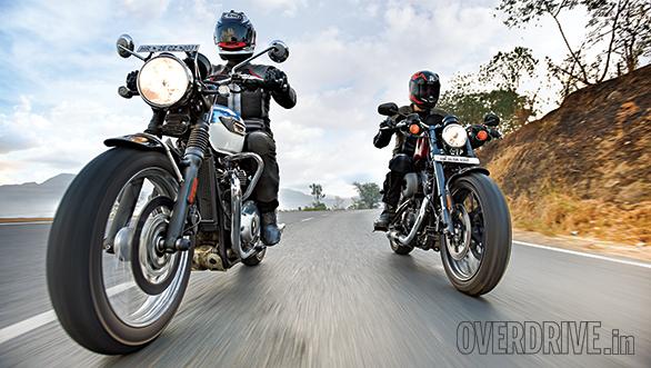 Harley-Davidson Roadster vs Triumph Bonneville T100 (2)