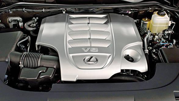 Lexus LX 450d (2)