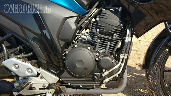 Yamaha FZ25 (2)