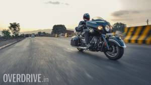 2017 Indian Chieftain Dark Horse image gallery