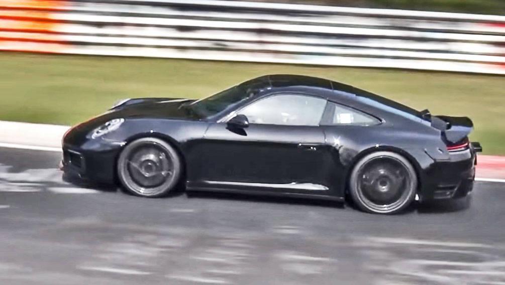 2018 Porsche 911 side