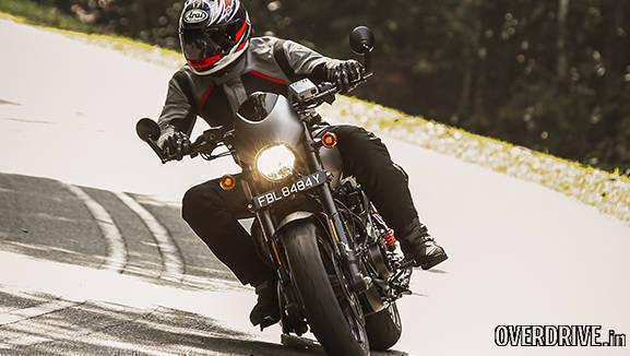 Harley Davidson Street Rod pictures (2)